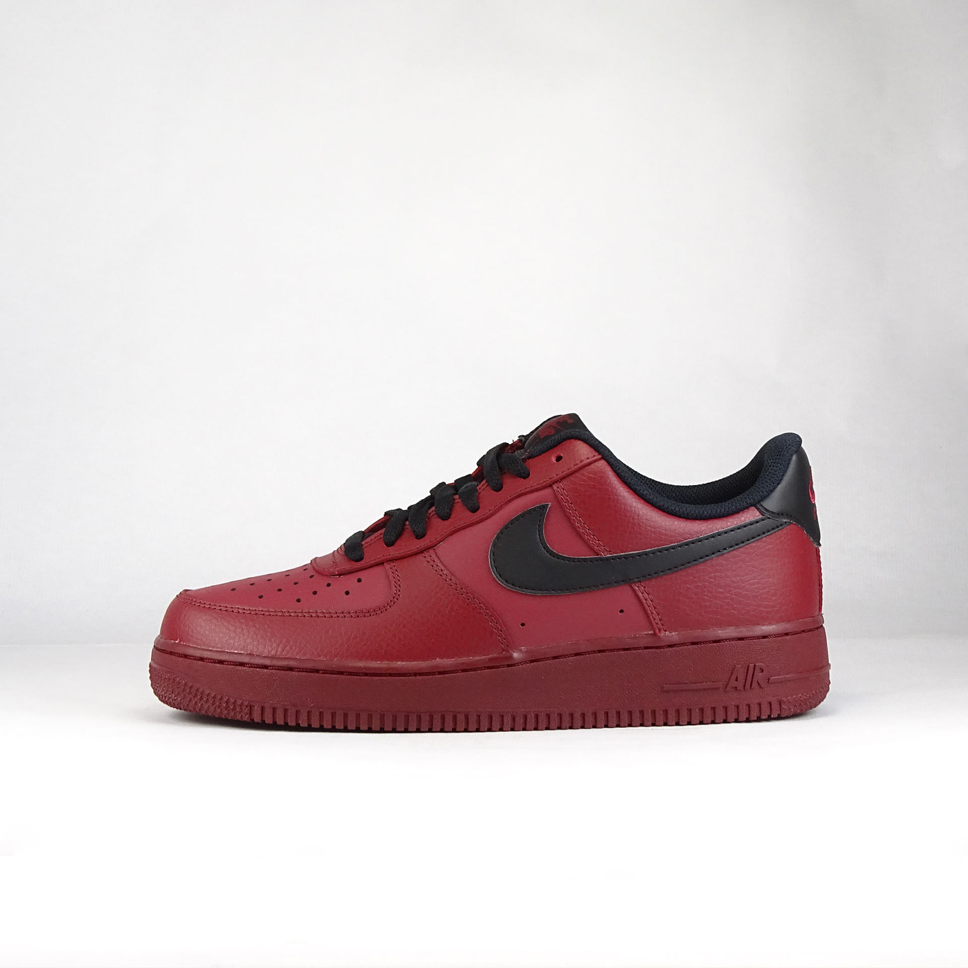 Nike Air Force 1 granate