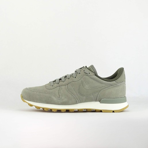 W INTERNATIONALIST SE VE, 9,5